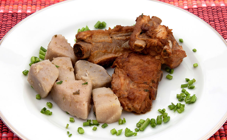 Ensopado de Carne de Porco com Inhame